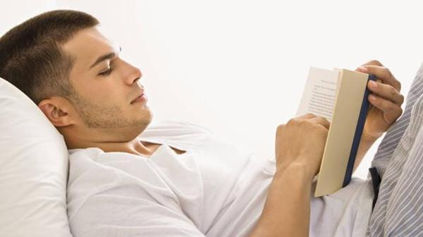 ثمانية أشياء لا تفعليها قبل النوم