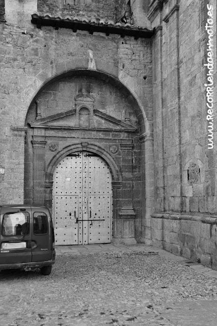 Puerta iglesia de S.M.Magdalena, Tronchón