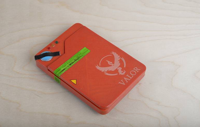 Pokedex Case dengan Built-in Power Bank, Solusi Berburu Pokemon Lebih Lama