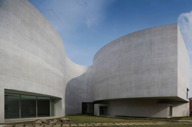 02-Mimesis-Museum-by-Alvaro-Siza-Viera