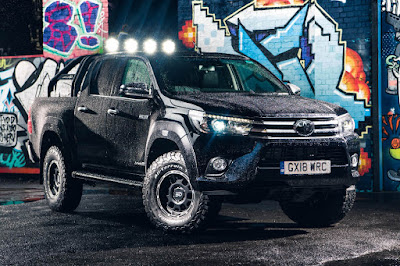 Toyota Hilux Invincible 50 Double Cab (2018) Front Side