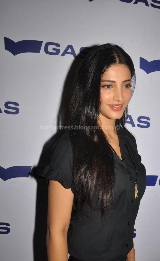Shruti Hassan Latest Cute Stills At an Event
