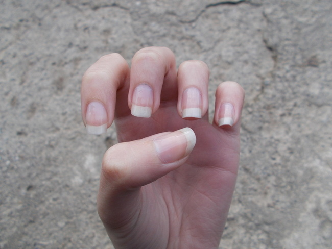 Tips on keeping your nails healthy in Winter,healthy nails,how to have healthy nails,How To Keep Your Nails Healthy In Winter