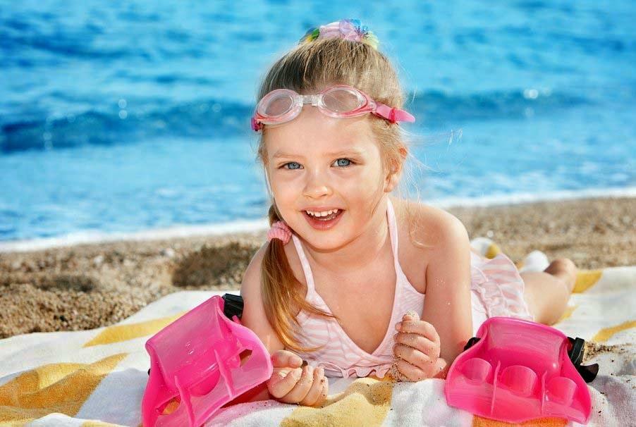 yüzücü-kız-çocuk-sevimli-güzel-joy-pic