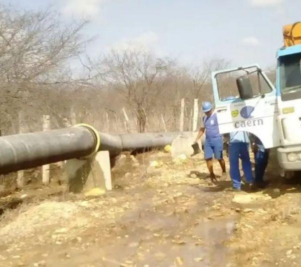 Vazamento em adutora deixa quatro cidades do RN sem abastecimento de água