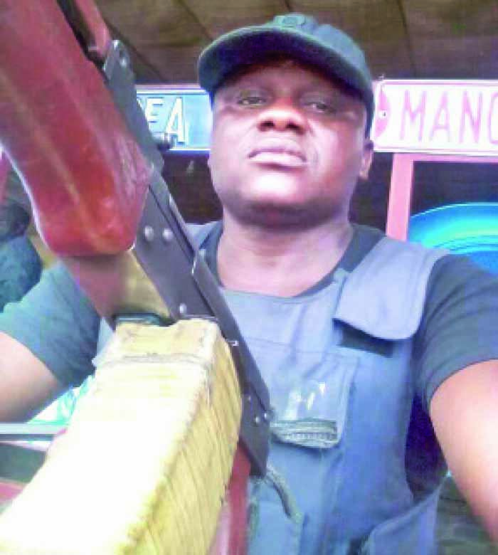 policeman killed clash navy calabar