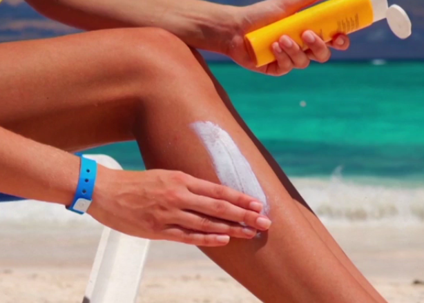 A Guide On How To Choose a Safer Sunscreen