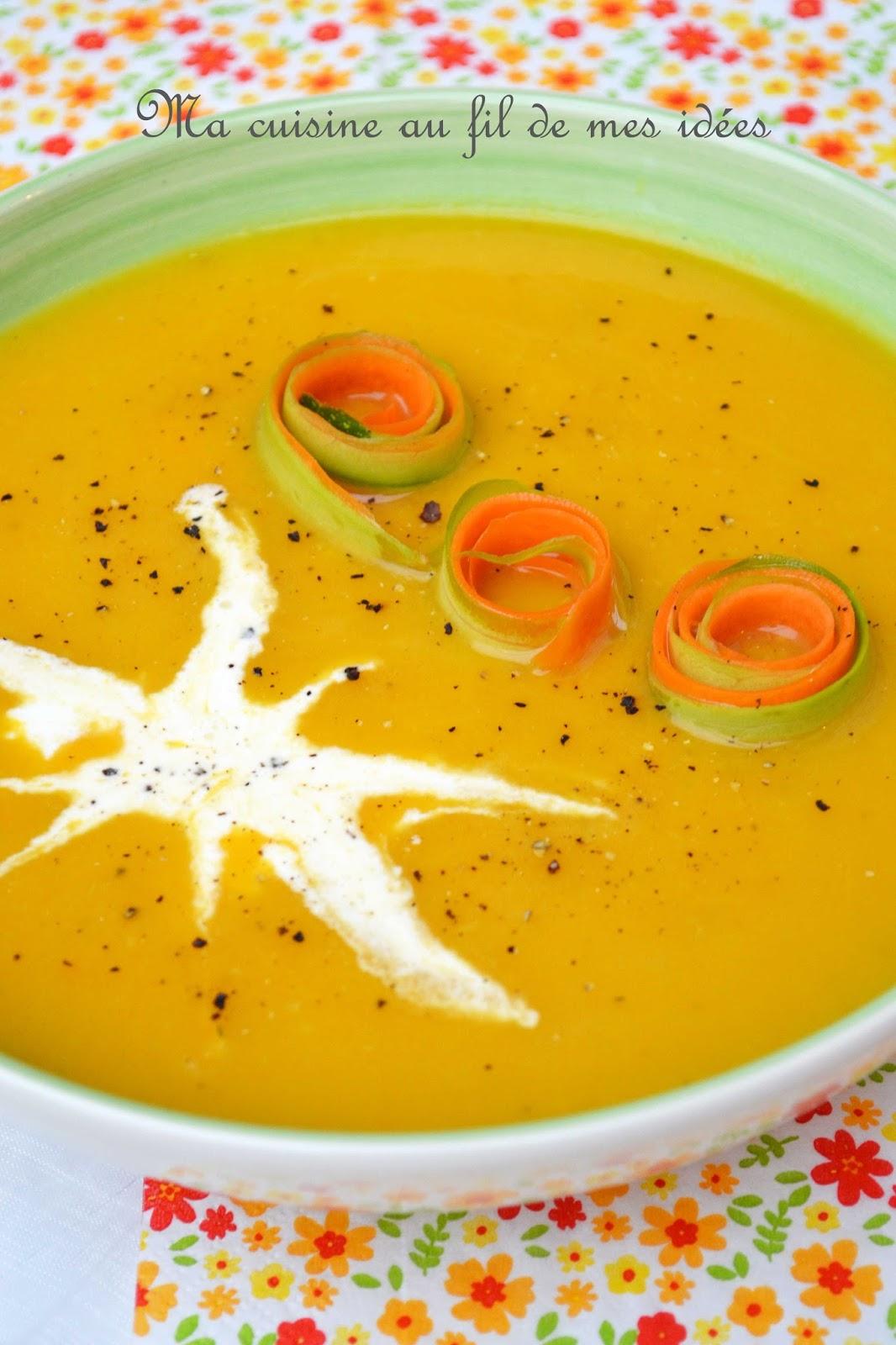 soupe velout e aux courgettes et carottes pic e au curry. Black Bedroom Furniture Sets. Home Design Ideas