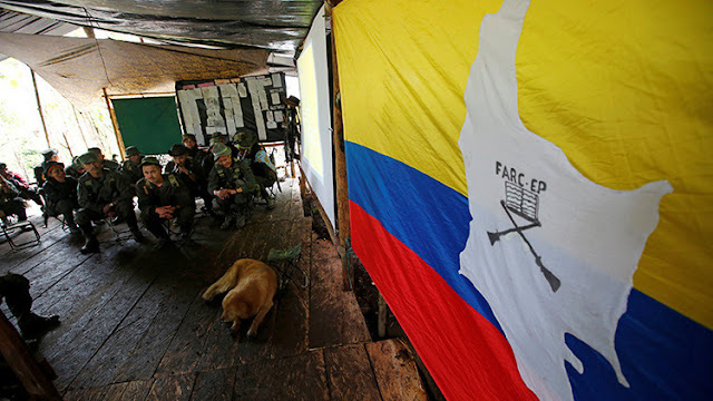 Decenas de empresas, acusadas de financiar el conflicto armado en Colombia