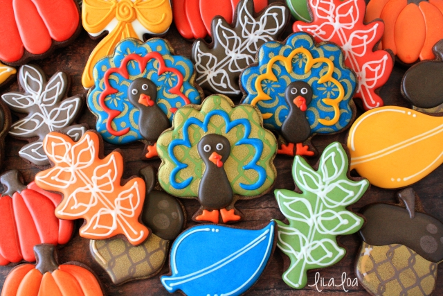 Stenciled turkey sugar cookies -- with a video tutorial