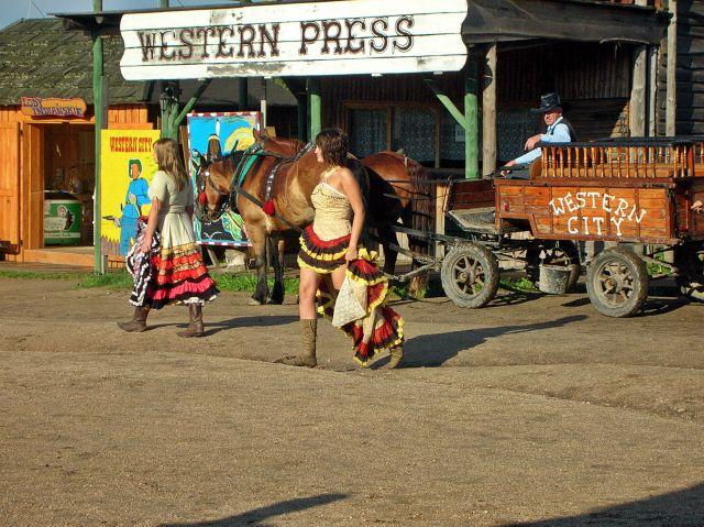 Ścięgny, miasteczko westernowe, kowboje