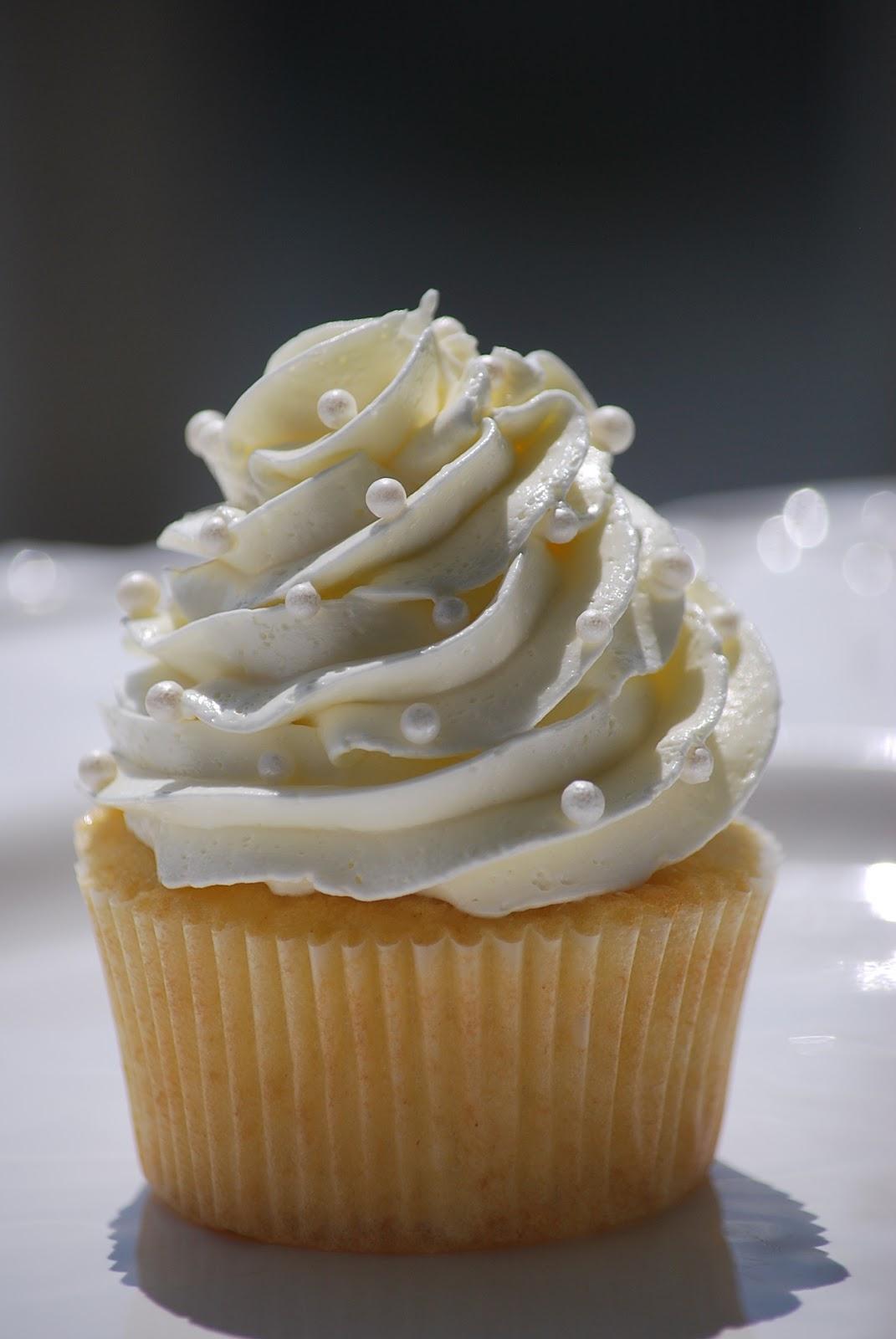 Perfect Vanilla Cupcakes Recipe – Glorious Treats  |Vanilla Cupcakes Recipe