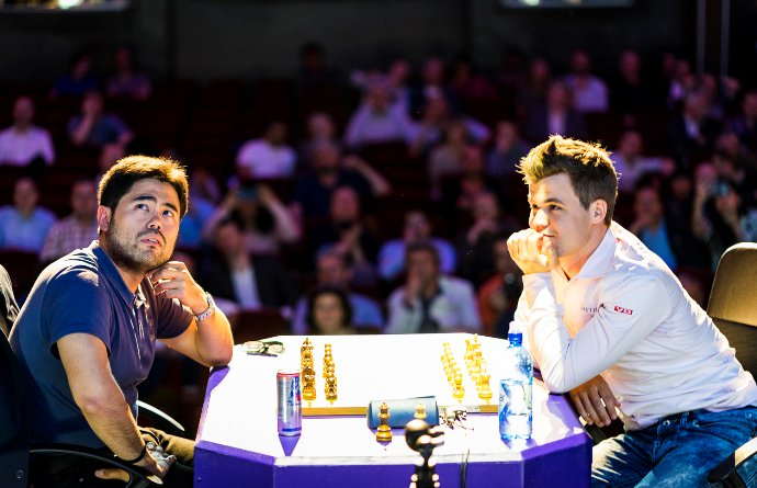 Hikaru Nakamura a encore perdu l'imperdable face à Magnus Carlsen au tournoi d'échecs du Paris Grand Chess Tour - Photo © Chess & Strategy