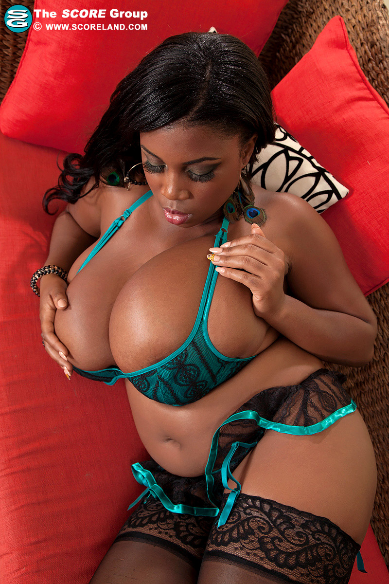 Shine hot ebony girl - 4 5