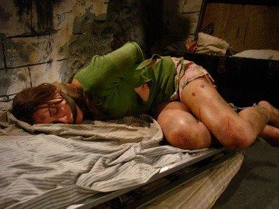 Milf spreading legs pornpic.com