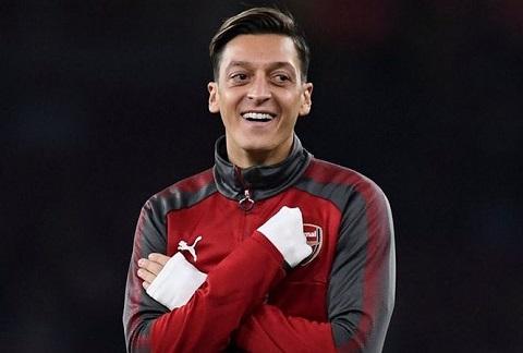 Mesut Ozil đã sẵn sàng gắn bó tương lai của mình lâu dài với Arsenal