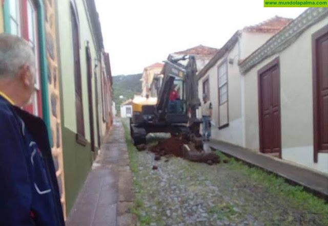 Vecinos de Garafía preocupados por las obras en la calle Anselmo Pérez de Brito