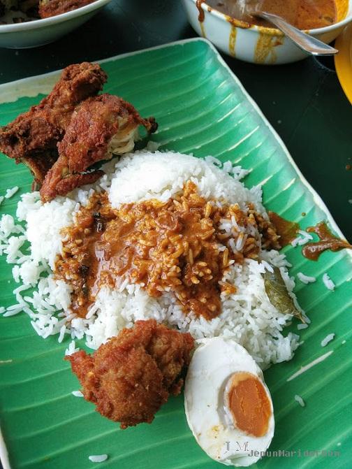Original Penang Kayu Nasi Kandar dan Mee Sotong Hameed.