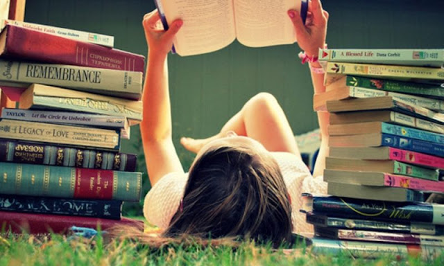çok kitap okuyan insan