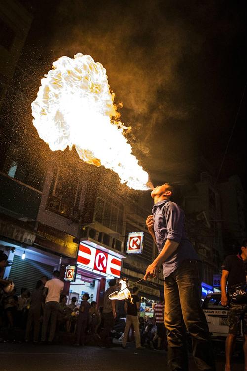 5 địa điểm vui chơi về đêm ở Sài Gòn-4