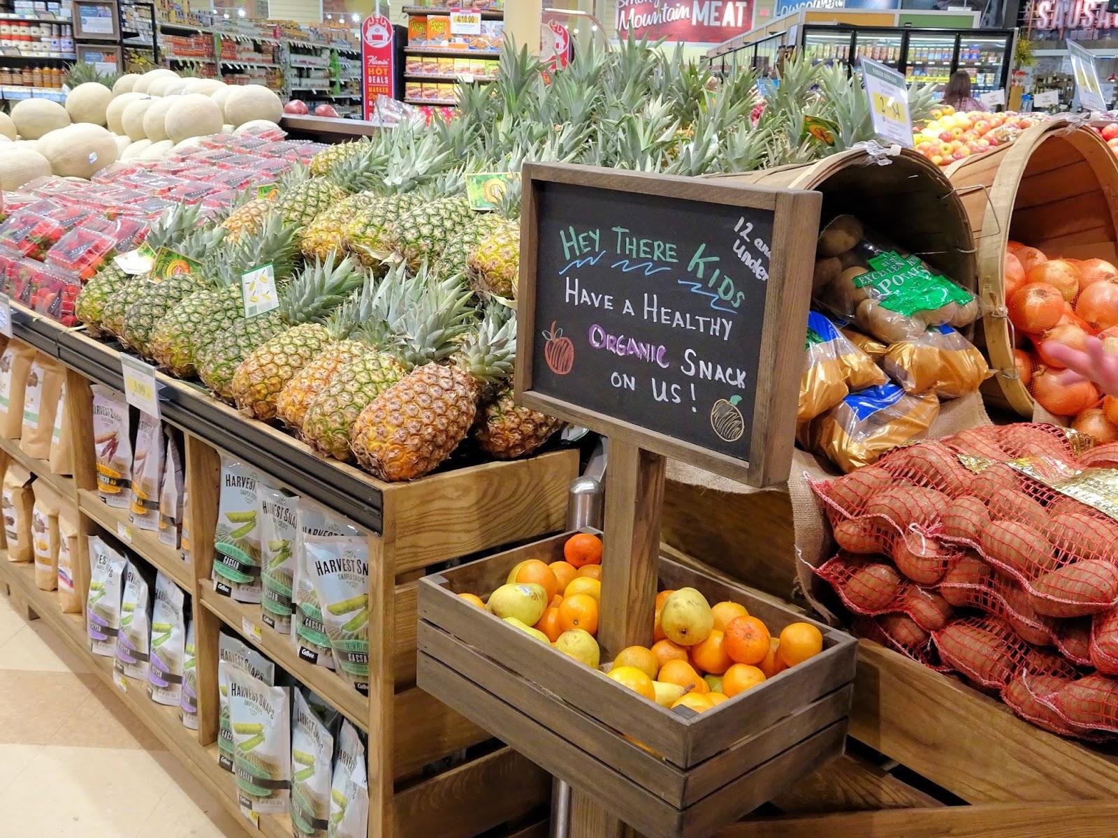 Femme au foyer: Lowes Foods Five Forks: giveaway!