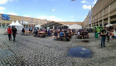 La plaza fue utilizada para colocar multitud de mesas