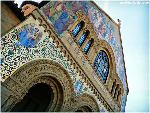 Fachada Memorial Church, Universidad de Stanford