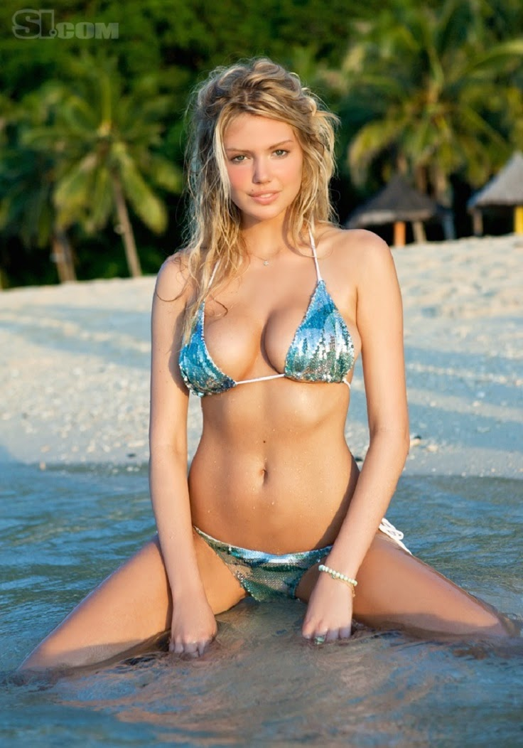 Milky beautifull girls bikini photos