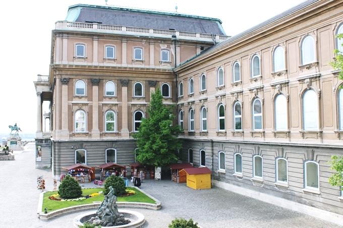 Budapest sightseeing tour: Buda Castle and Royal Palace.Budimpesta tura razgledanja,Budimska tvrdjava i Kraljevska palata.