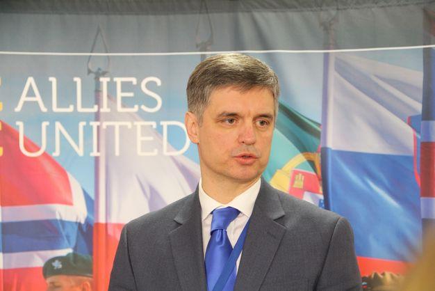 Україні вдалося обійти блокування Угорщиною участі країни в саміті НАТО