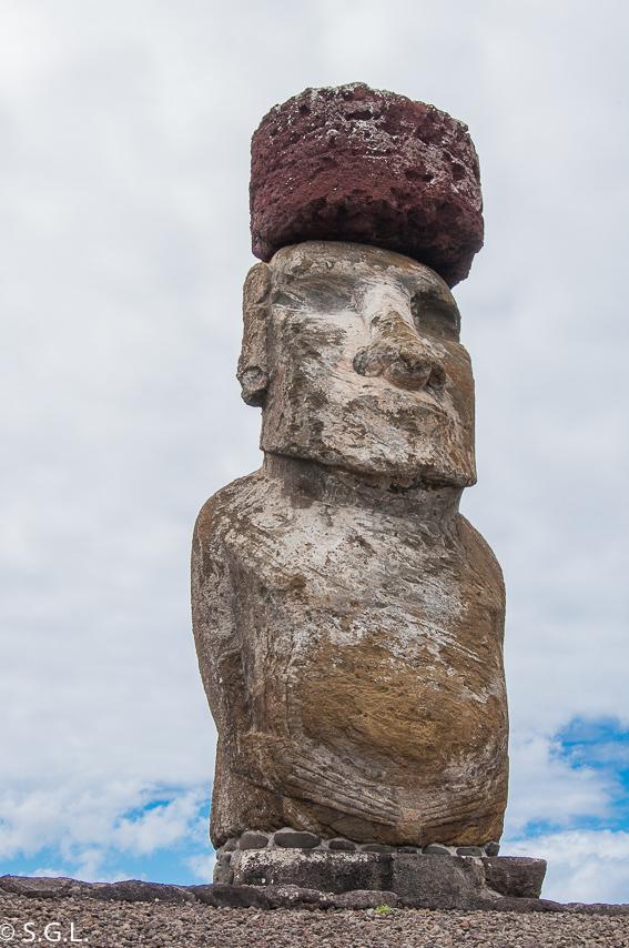 Moai con Pukao en Ahu Tongariki. Isla de Pascua