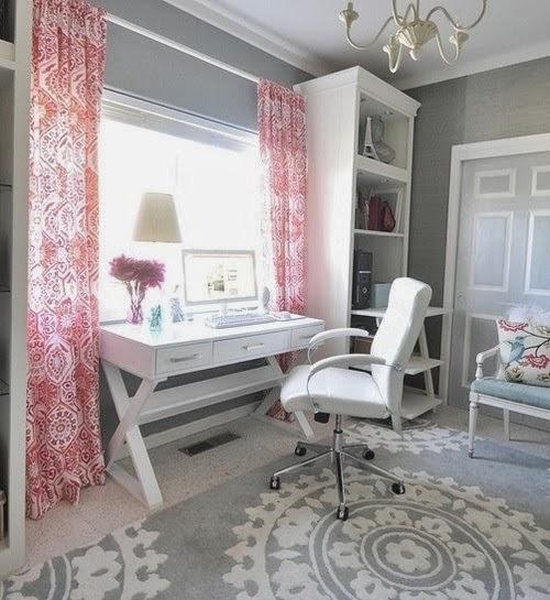 oficina femenina rosa