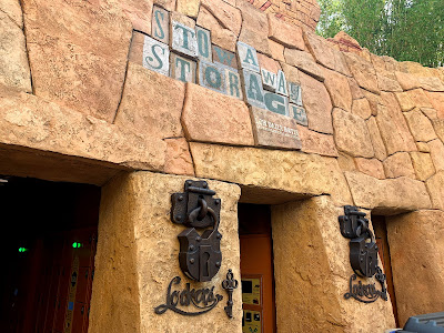 Islands of Adventure's Port of Entry - Photo Report