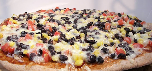 Smoky Corn & Black Bean Pizza , Weight Watchers Recipe , 9 Smart Points