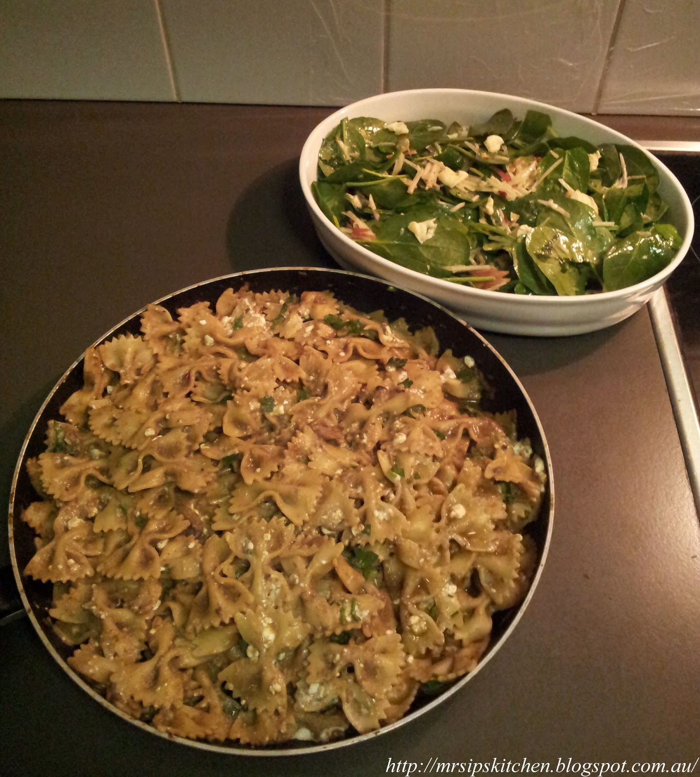 Mrs Ip S Kitchen Jamie Oliver S 15 Minute Meals Mushroom Farfalle Blue Cheese Hazelnut Apple Salad