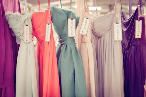 lange tettsittende kjoler