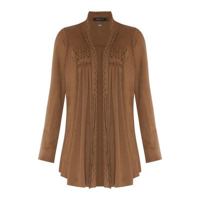 3110fba5d O eterno boho da marca carioca volta às lojas em bordados românticos,  vestidos estampados e acessórios