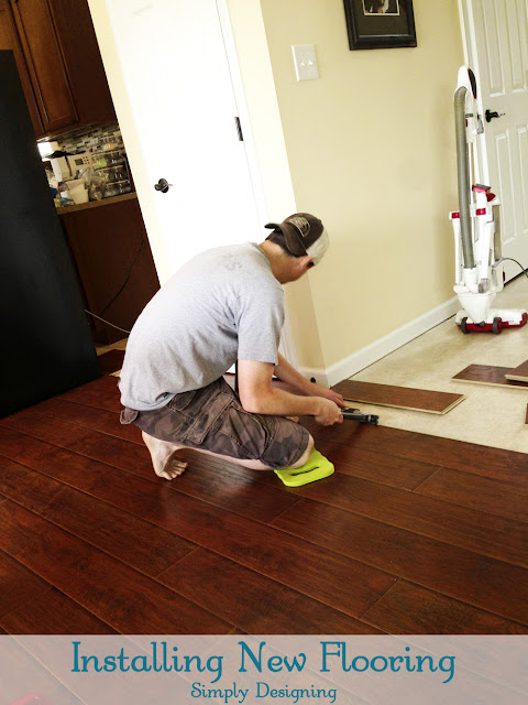 Installing Laminate Flooring | #diy #flooring #homeimprovement #laminateflooring | at Simply Designing