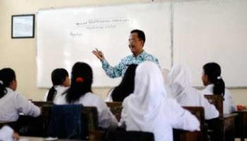 ciri-ciri-guru-yang-profesional