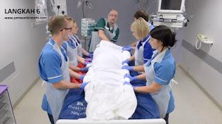 Langkah 6 reposisi pronasi pada pasien gangguan pernafasan ARDS