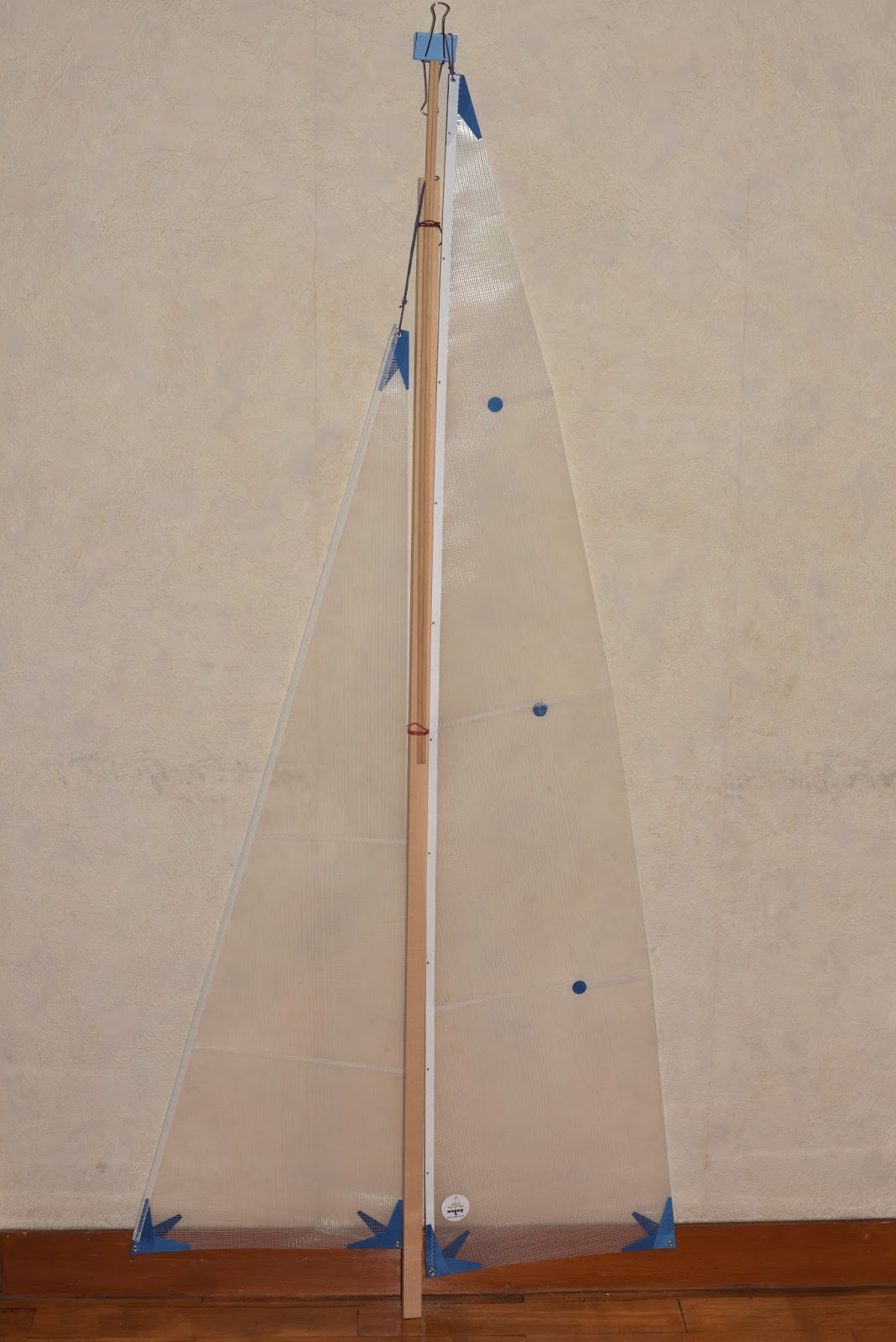 1  Nylet Spirit 3 sailing yacht RC model kit, the parts and