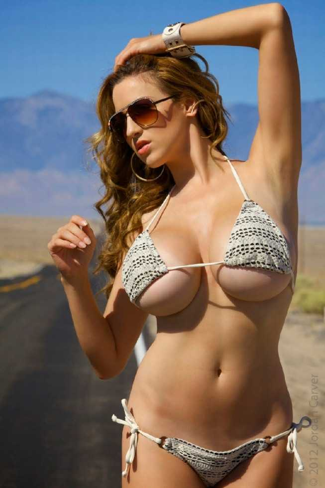 Natural Shower Jordan Carver Bikini Busty On The Desert -8437