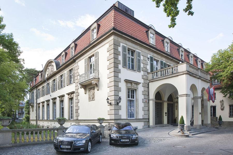 passion for luxury schlosshotel im grunewald berlin. Black Bedroom Furniture Sets. Home Design Ideas