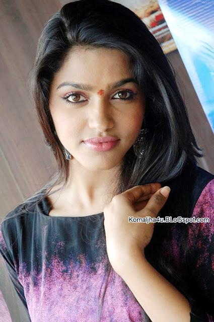 Dhanshika 2017 Wallpapers | Actress Dhanshika HD Wallpapers
