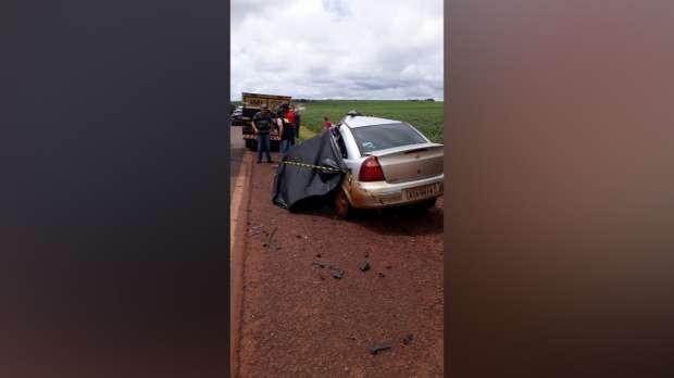Acidente entre carro e caminhão deixa um morto na PR 239, em Assis Chateaubriand