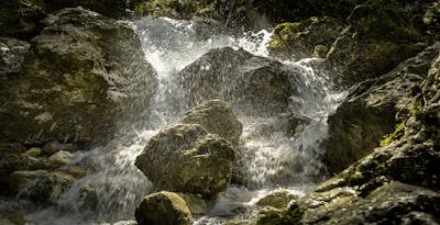 Pemandangan Air Batu Daun