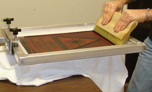 is one of the popular printing techniques Faults or Defects of Screen Printing and Roller Printing