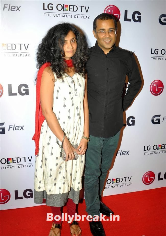 Chetan Bhagat with his wife, Celebs at LG G Flex Smartphone Launch