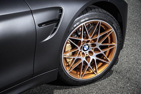 P90199468 lowRes bmw m4 gts 10 2015 Η νέα BMW M4 GTS έφτασε με 500 αλογα έτοιμα να ξεχυθούν στην πίστα BMW M, BMW M4, BMW M4 GTS, COUPE