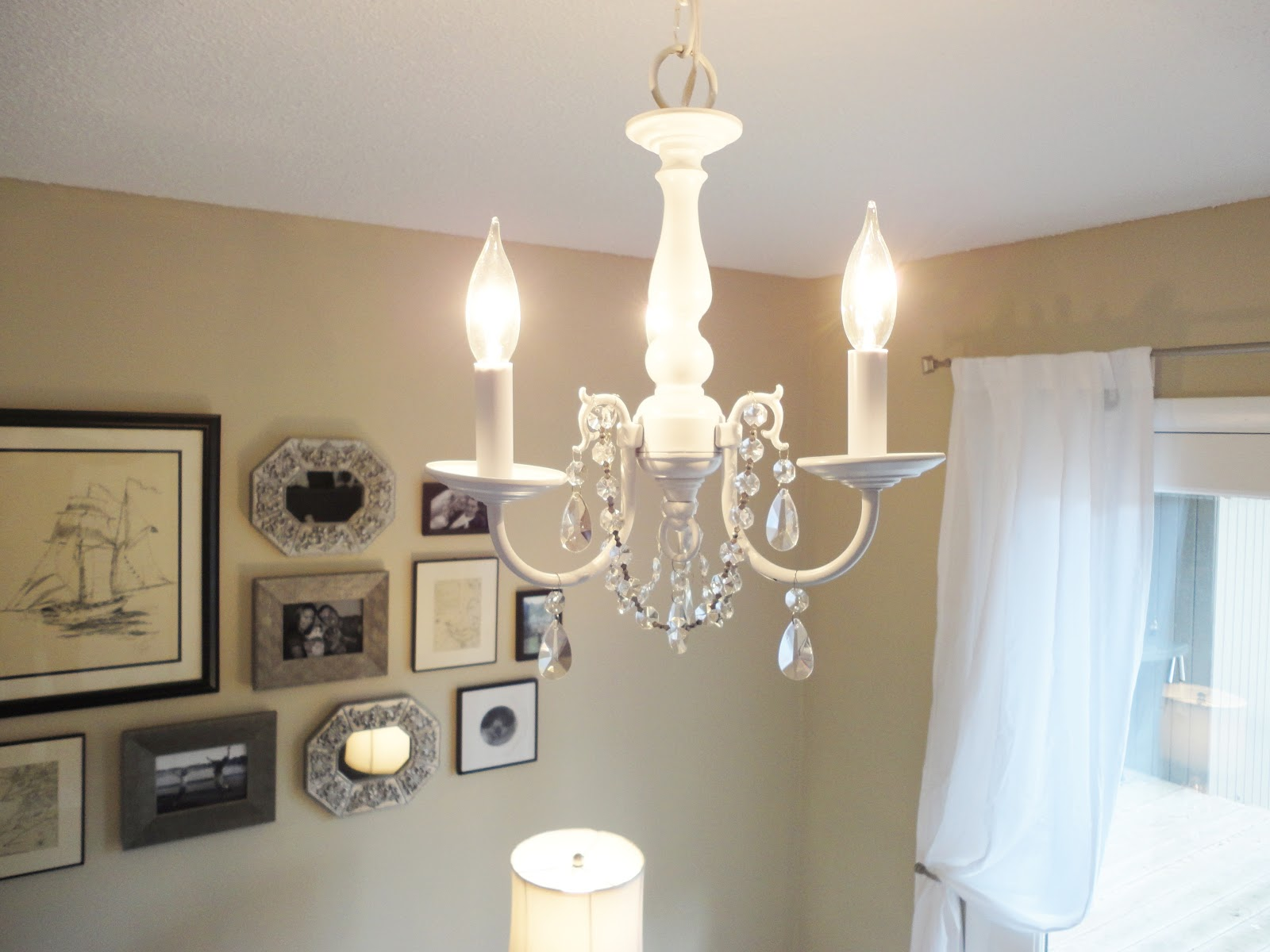 LiveLoveDIY: How To Spray Paint A Chandelier